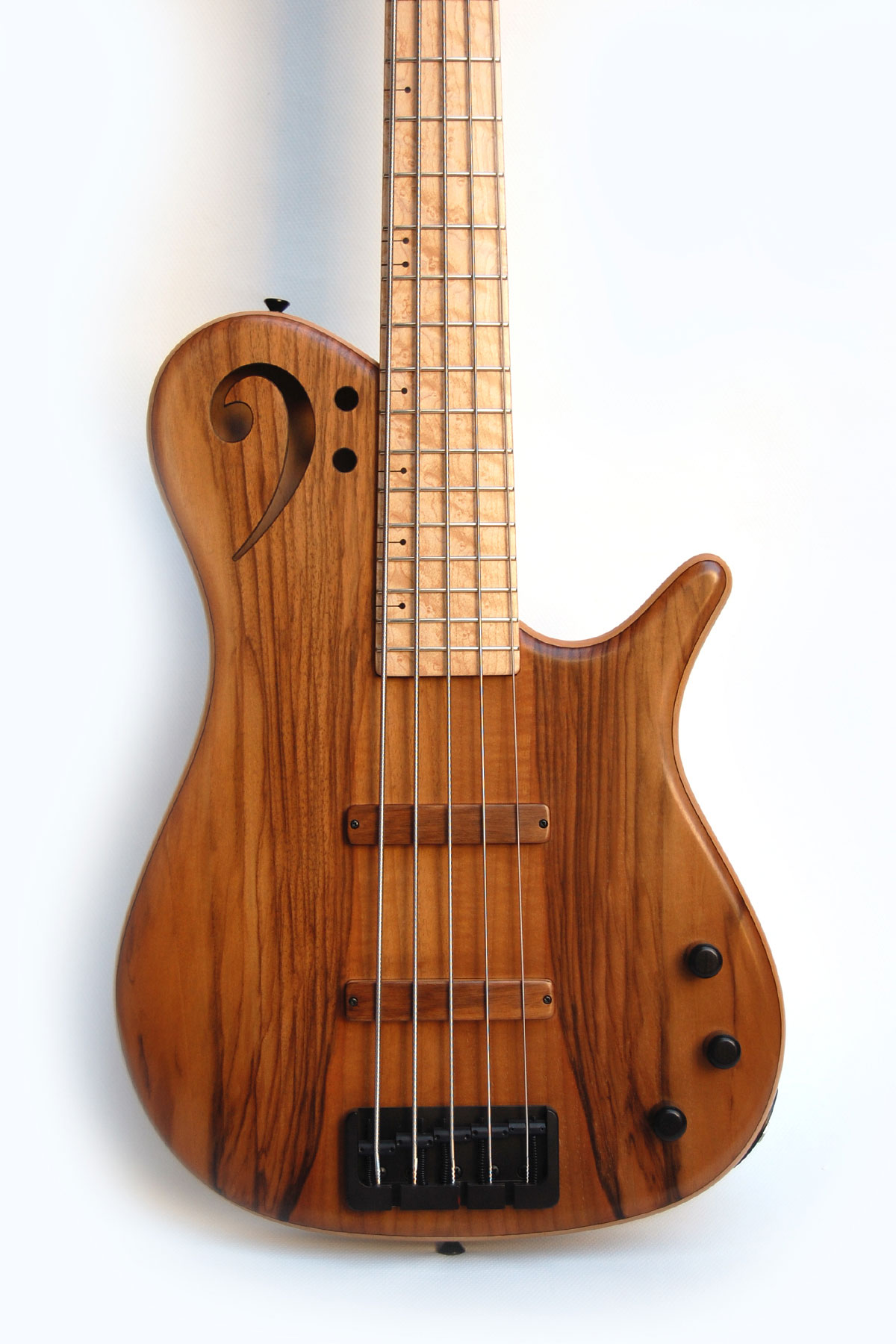 Proxima de sensi 5 strings walnut body maple fretboard