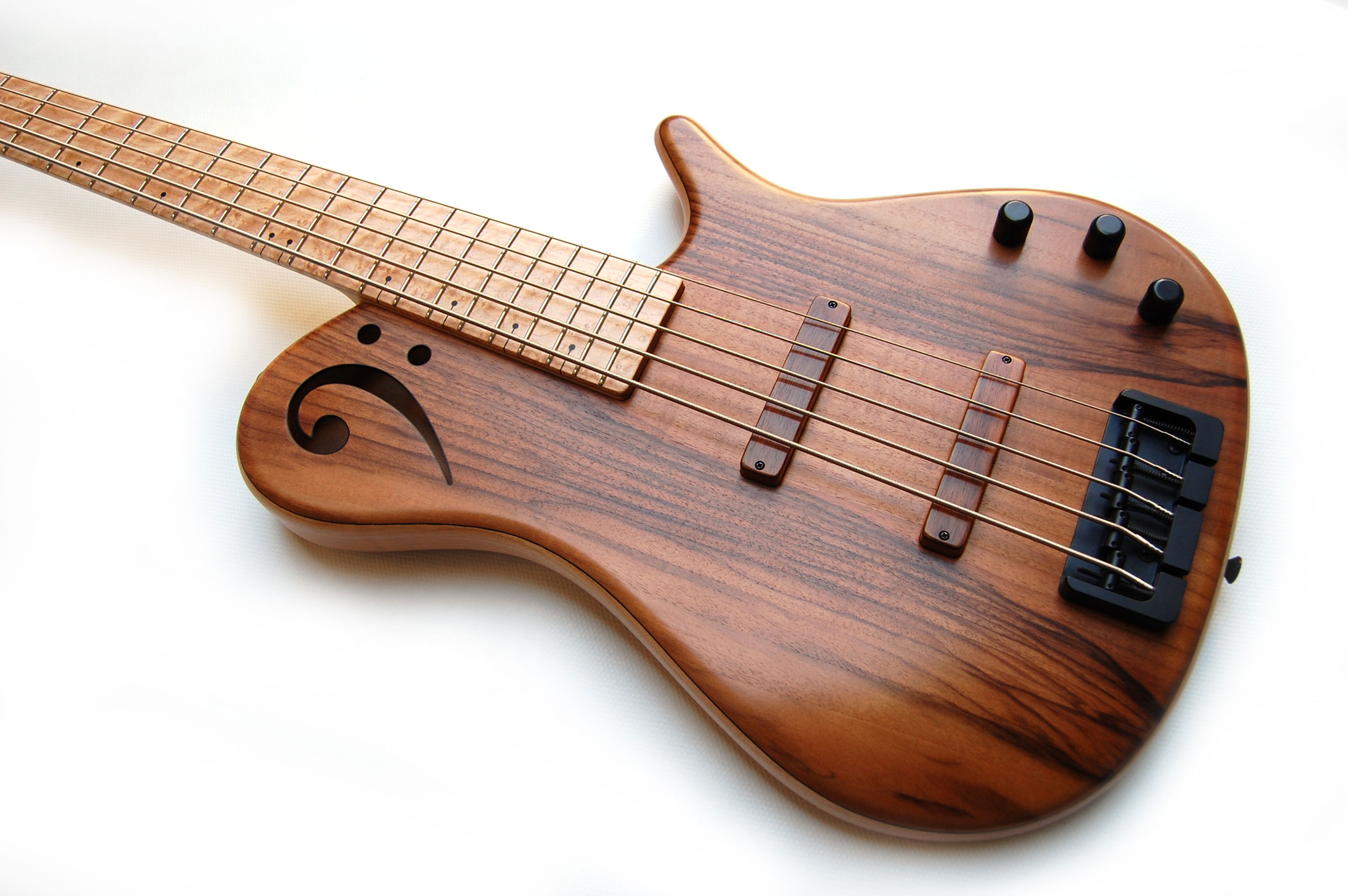 Proxima de sensi 5 strings walnut body